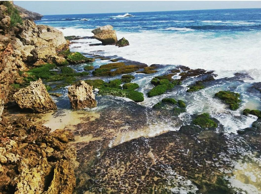 pantai jogan gunungkidul pantai dengan air terjun by sonia.desiree